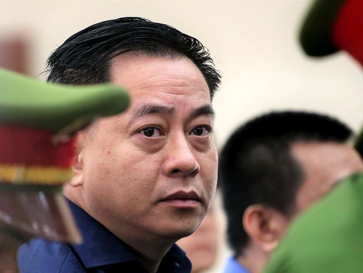 Vì sao ông Nguyễn Duy Linh - nguyên cán bộ Bộ Công an bị khởi tố? - Ảnh 2.