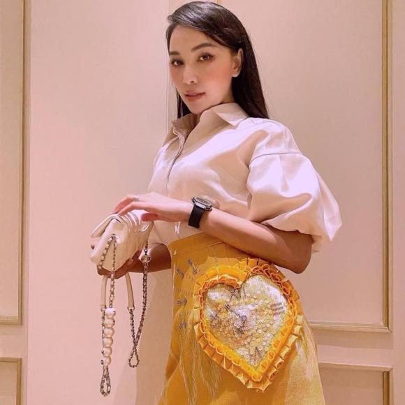 Nguyễn Tiến Linh bất ngờ theo dõi bạn thân của... Ngọc Trinh - Ảnh 6.