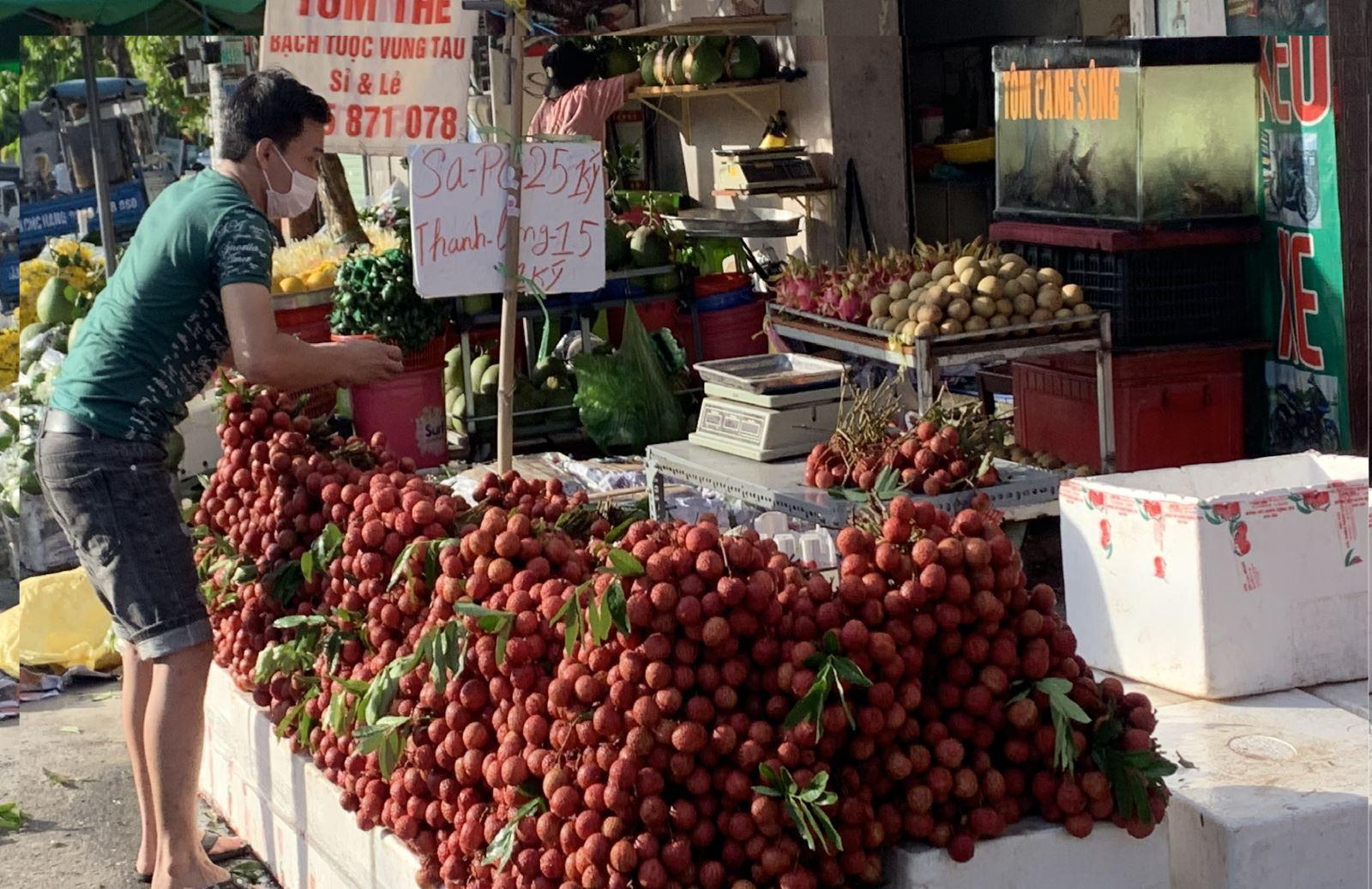 TP Hồ Chí Minhvừa nỗ lực chống dịch vừa hỗ trợ tiêu thụ nông sản cho các tỉnh - Ảnh 1.