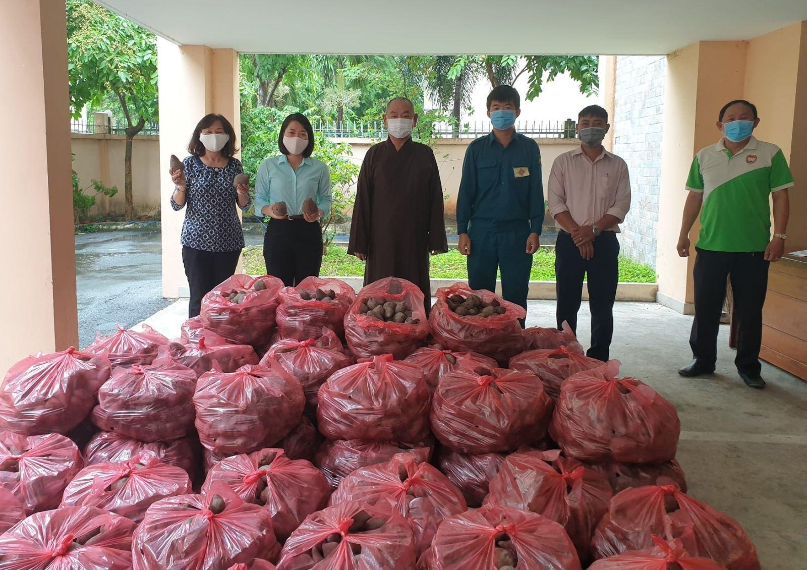 TP Hồ Chí Minhvừa nỗ lực chống dịch vừa hỗ trợ tiêu thụ nông sản cho các tỉnh - Ảnh 4.
