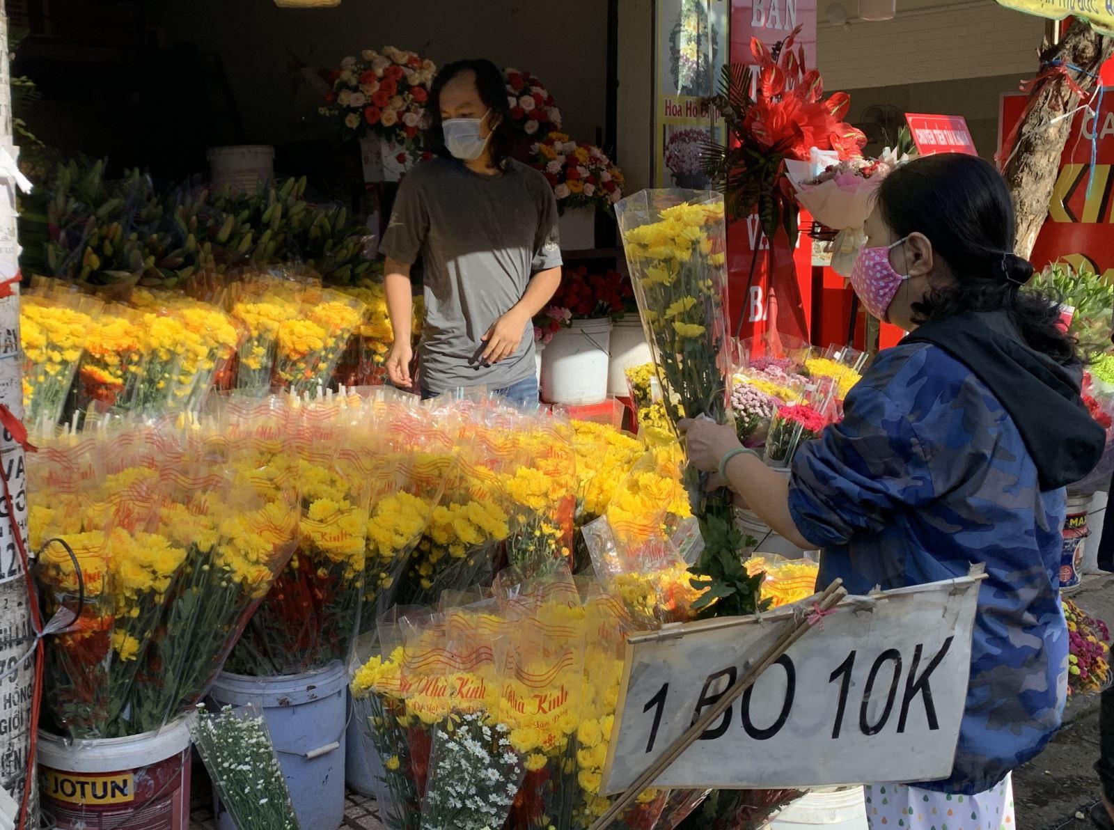 TP Hồ Chí Minhvừa nỗ lực chống dịch vừa hỗ trợ tiêu thụ nông sản cho các tỉnh - Ảnh 3.