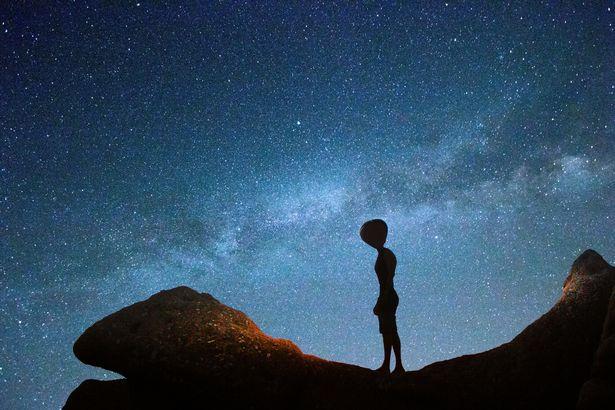 Các nhà khoa học khẳng định rằng người ngoài hành tinh có tồn tại - Ảnh 2.
