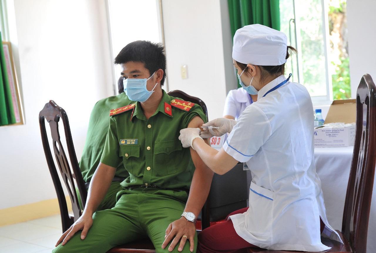 Đắk Lắk: Những lực lượng nào được tiêm vắc xin phòng Covid-19-19 đợt 2? - Ảnh 1.