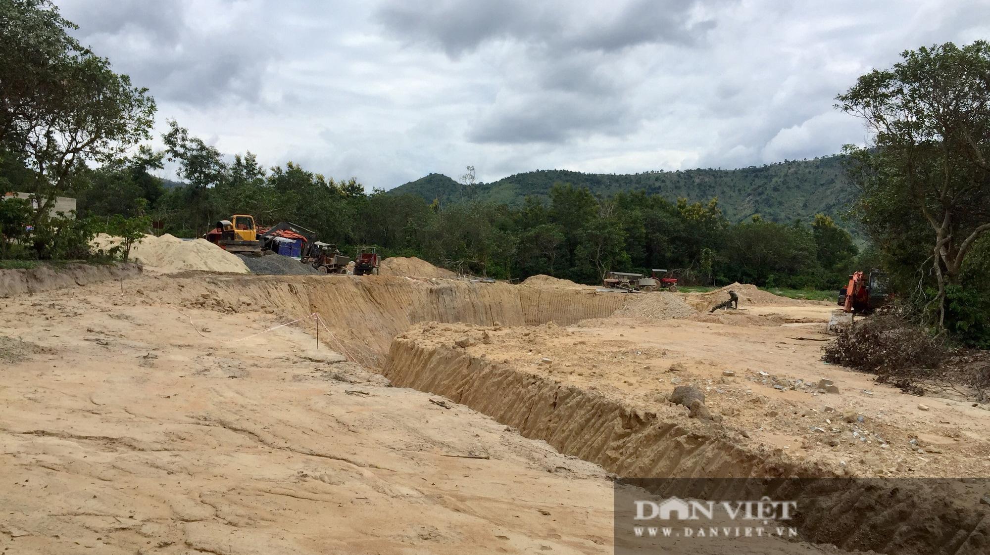 Đắk Lắk: Không thể giải ngân tiền đền bù dự án hồ Yên Ngựa vì có 40 sổ đỏ bị chồng lấn - Ảnh 2.