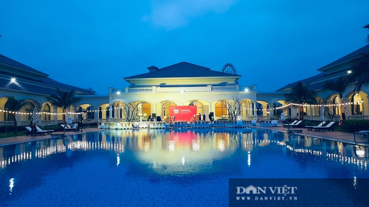 Điện lực Hà Tĩnh giảm hàng tỷ đồng cho nhiều cơ sở lưu trú du lịch - Ảnh 1.