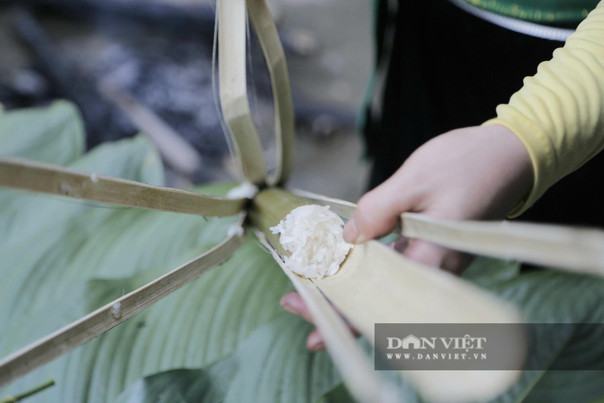 Đến Pù Luông thưởng thức món cơm lam truyền thống dân tộc Thái nơi đây - Ảnh 8.