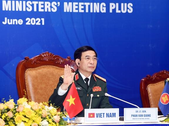 Bộ trưởng Bộ Quốc phòng Phan Văn Giang tham dự ADMM+ lần thứ 8 - Ảnh 1.