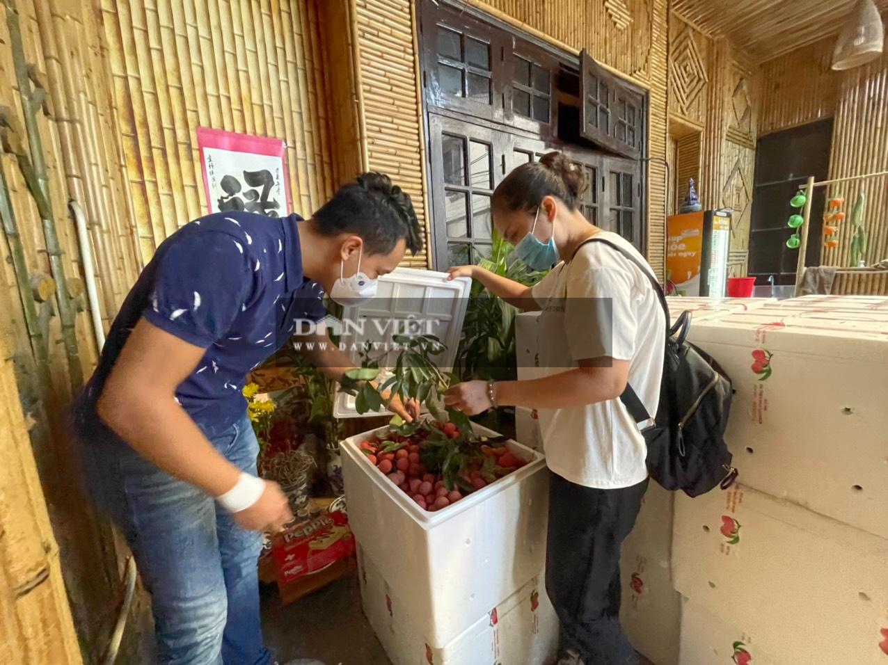 Vải thiều Lục Ngạn đã có mặt tại Trung tâm kết nối tiêu thụ nông sản Báo NTNN/ Điện tử Dân Việt - Ảnh 7.