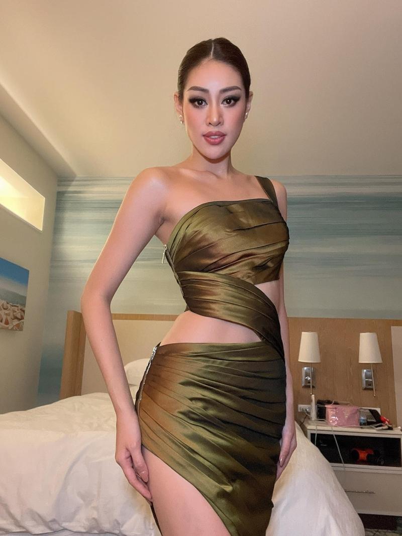 Hoa hậu Khánh Vân bất ngờ hé lộ loạt ảnh mặc cắt xẻ chưa từng công bố ở Miss Universe - Ảnh 5.