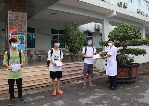 50% số bệnh nhân Covid-19 ở Bắc Ninh đã khỏi bệnh, từ ngày 20/6, công nhân về nhà trọ phải điểm danh trước 21 giờ - Ảnh 1.