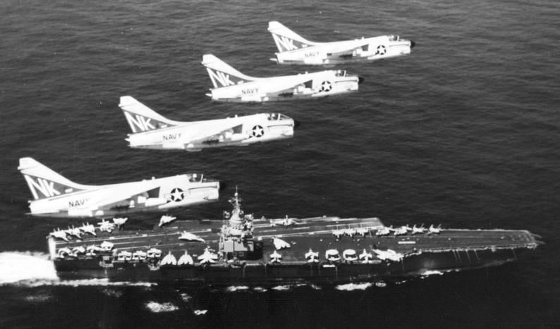 Triều Tiên bắt giữ tàu USS Pueblo, Mỹ lên kế hoạch tấn công hạt nhân - Ảnh 9.