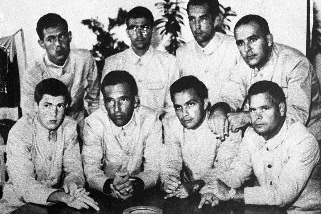 Triều Tiên bắt giữ tàu USS Pueblo, Mỹ lên kế hoạch tấn công hạt nhân - Ảnh 14.