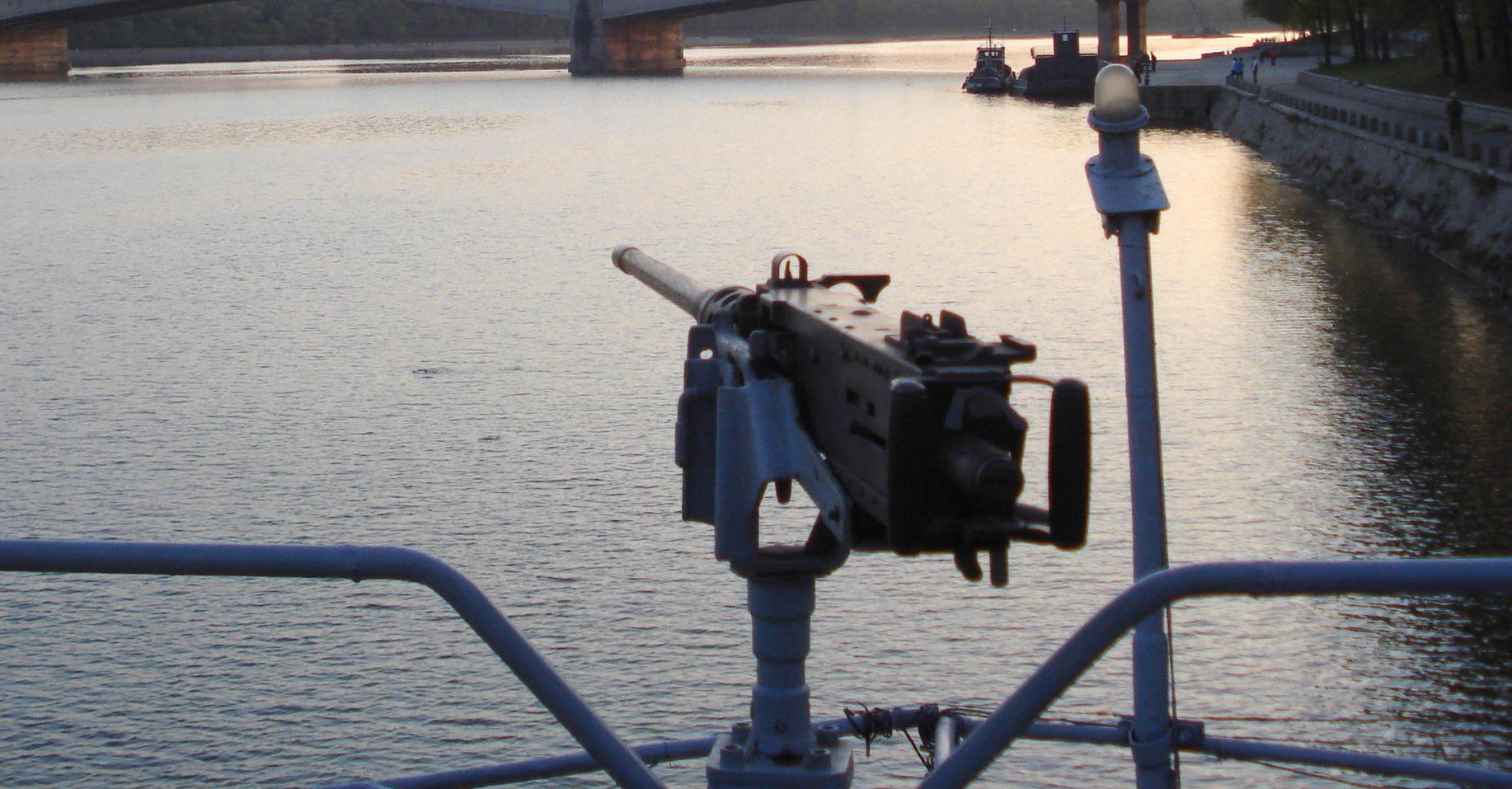 Triều Tiên bắt giữ tàu USS Pueblo, Mỹ lên kế hoạch tấn công hạt nhân - Ảnh 5.