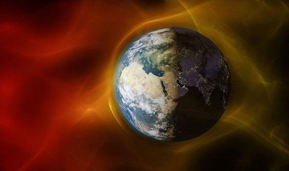 Cảnh báo cơn bão Mặt trời nguy hiểm đang đổ bộ vào Trái đất - Ảnh 1.