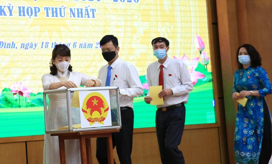 Ông Nguyễn Công Thành tái đắc cử chức danh Chủ tịch HĐND quận Ba Đình - Ảnh 2.