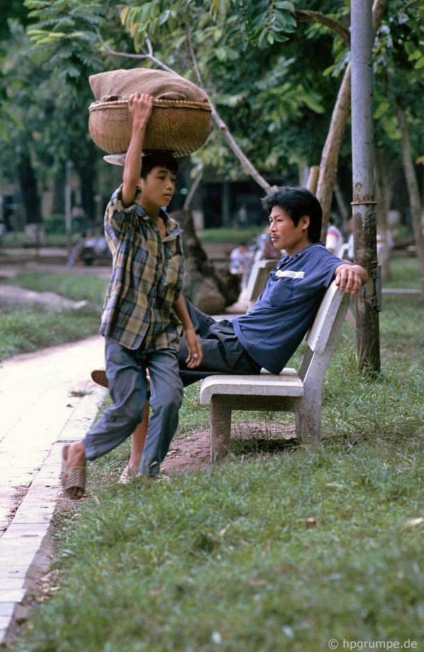 Kỳ thú ẩm thực vỉa hè ở Hà Nội năm 1991-1992 - Ảnh 8.