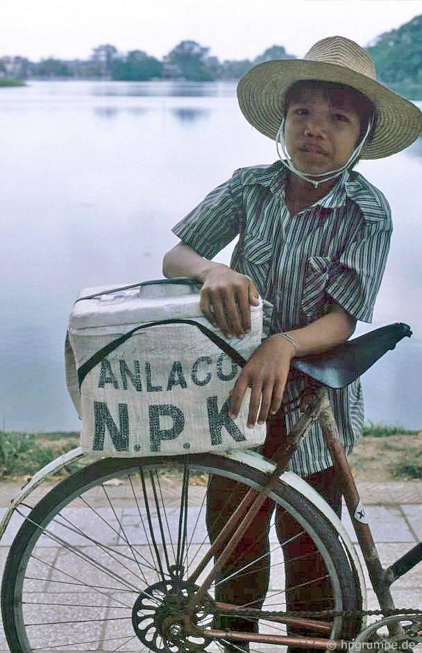 Kỳ thú ẩm thực vỉa hè ở Hà Nội năm 1991-1992 - Ảnh 9.