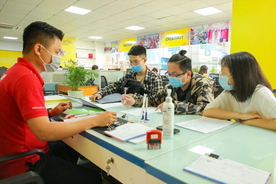 Tuyển sinh đại học 2021: Điểm chuẩn tăng do… Covid-19