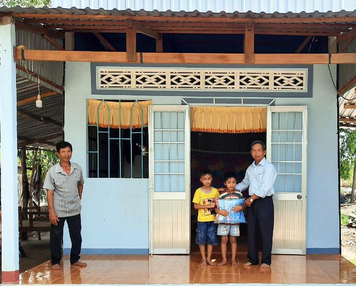 Người góp công, người góp của, đội cất nhà từ thiện của những lão nông tặng hơn 800 căn nhà - Ảnh 5.