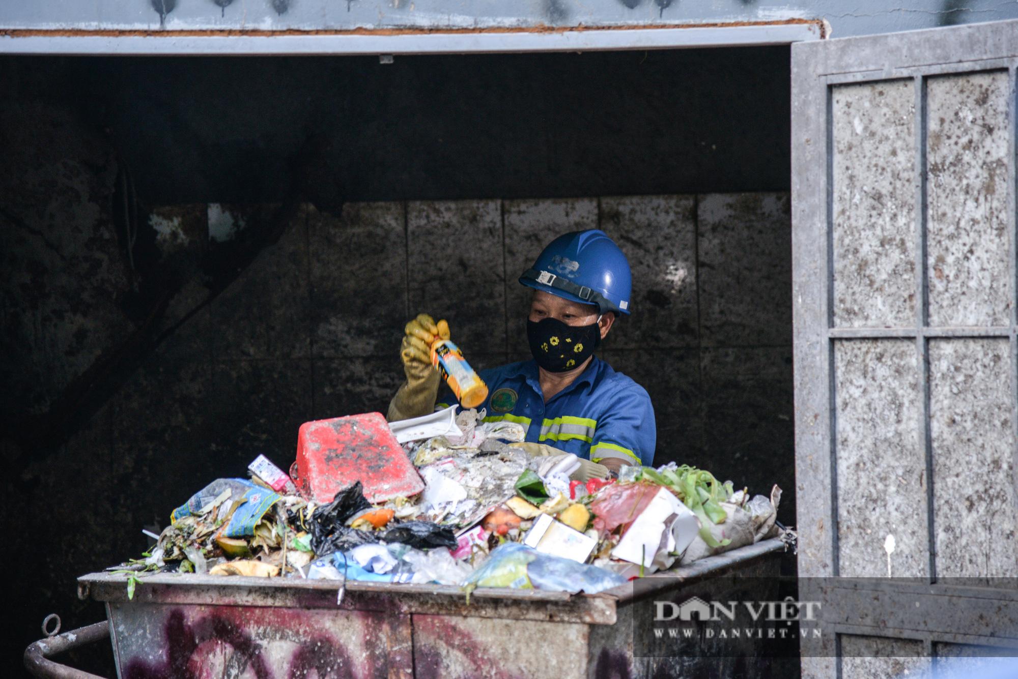 Công nhân môi trường vì nợ lương người lượm ve chai, người đi vay lãi lo con ăn học - Ảnh 8.