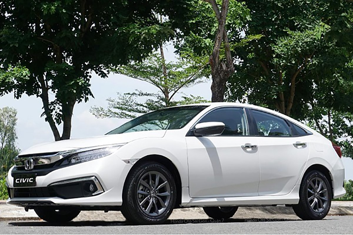 Honda Civic mới chạy 7.000 km, chủ xe đã rao bán giá ngỡ ngàng - Ảnh 3.
