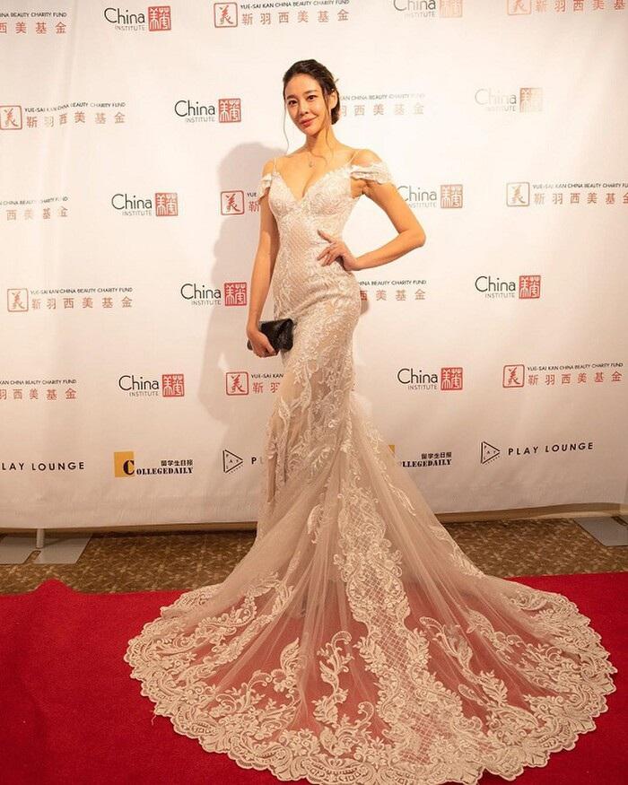 La Tử Lâm: Hoa hậu tự chôn vùi sự nghiệp vì phản thầy, giật bồ - Ảnh 11.