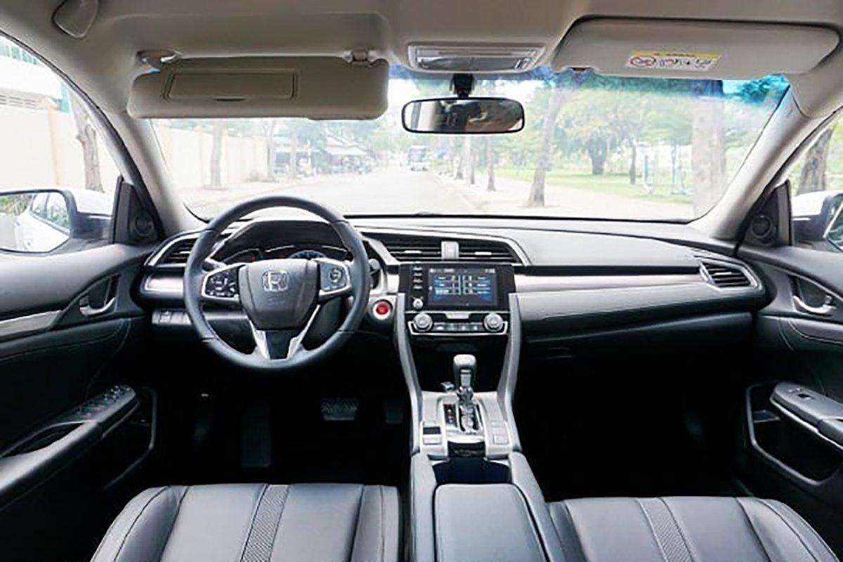 Honda Civic mới chạy 7.000 km, chủ xe đã rao bán giá ngỡ ngàng - Ảnh 4.