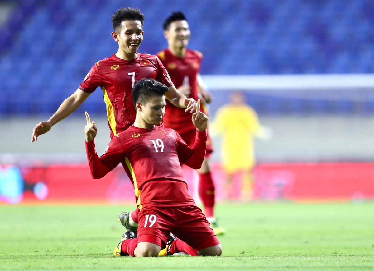 Báo Thái Lan sốc khi đội nhà kém ĐT Việt Nam 30 bậc trên BXH FIFA - Ảnh 1.