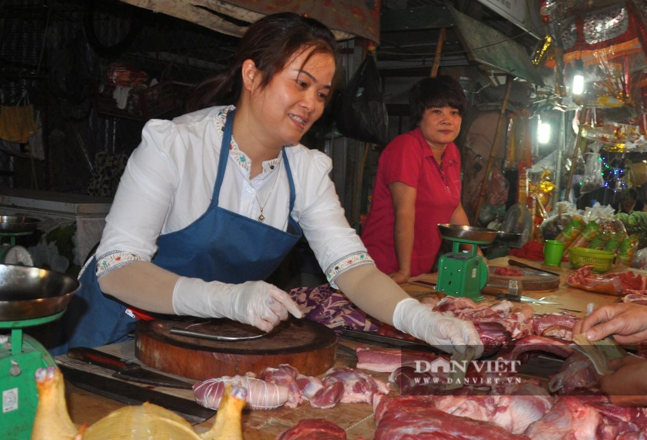 Giá lợn hơi bất ngờ nhích lên ở một số vùng, giá thịt ở chợ vẫn cao vút vì lý do này? - Ảnh 3.