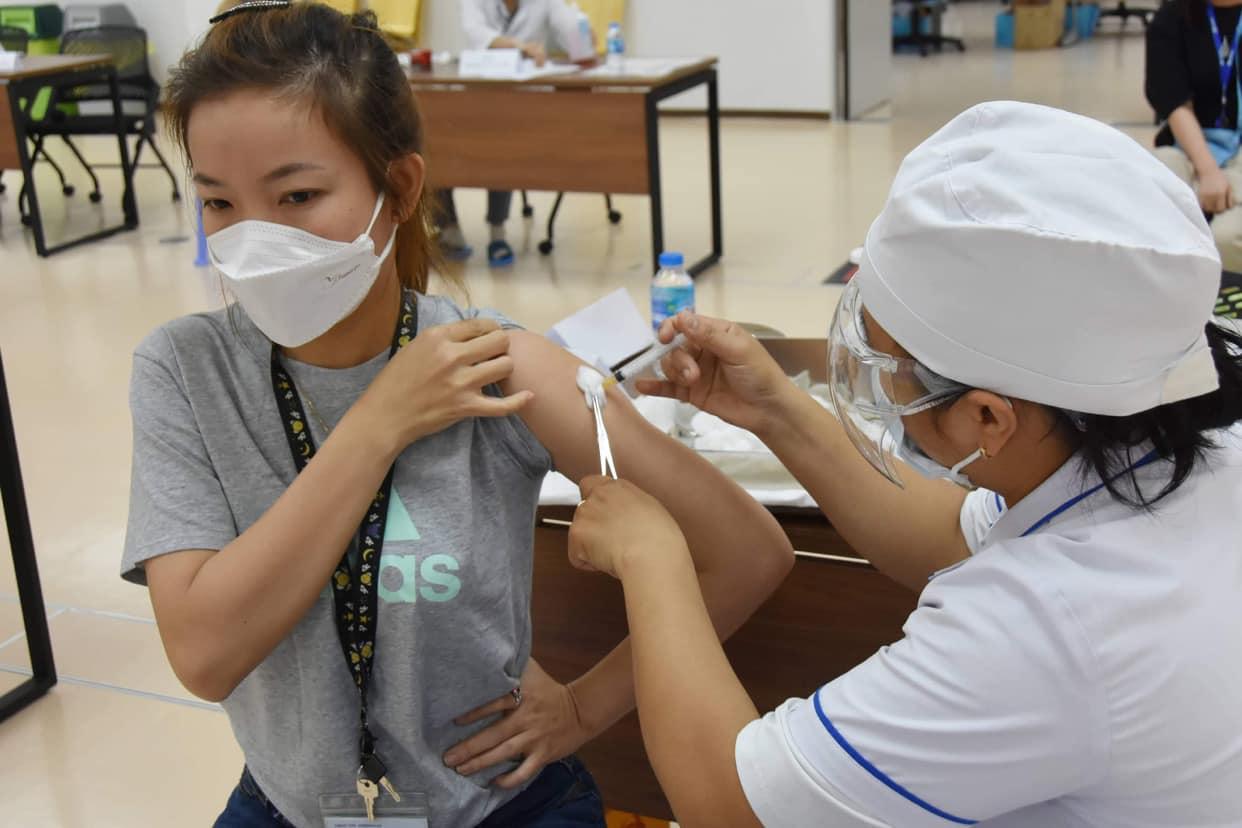 Tập huấn tiêm chủng vắc xin Covid-19 cho 700 điểm cầu, chuẩn bị cho chiến dịch lớn nhất - Ảnh 3.
