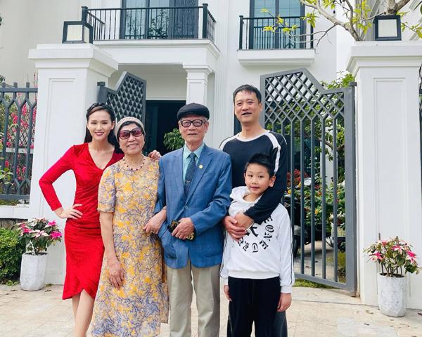 2 ông chồng điểm 10 vừa giàu lại chiều vợ của Bảo Thanh, Lã Thanh Huyền - Ảnh 11.