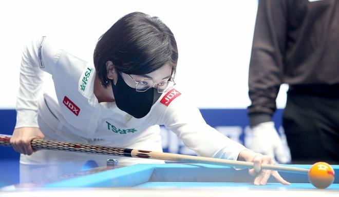 """Nhan sắc """"không phải dạng vừa đâu"""" của nữ cơ thủ người Hàn Quốc - Ảnh 2."""