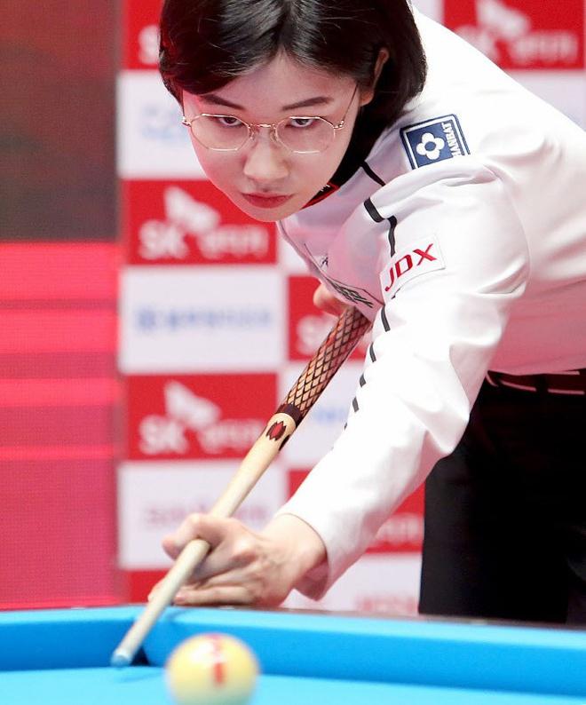"""Nhan sắc """"không phải dạng vừa đâu"""" của nữ cơ thủ người Hàn Quốc - Ảnh 4."""