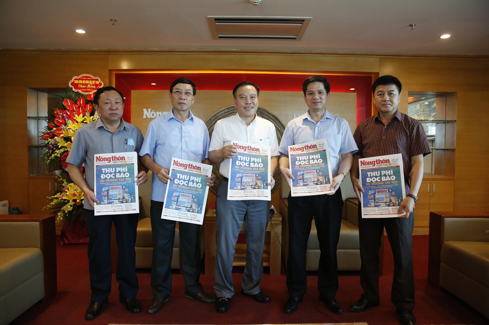 Lãnh đạo Hội Nông dân Việt Nam chúc mừng Báo NTNN/Dân Việt nhân ngày 21/6 - Ảnh 5.