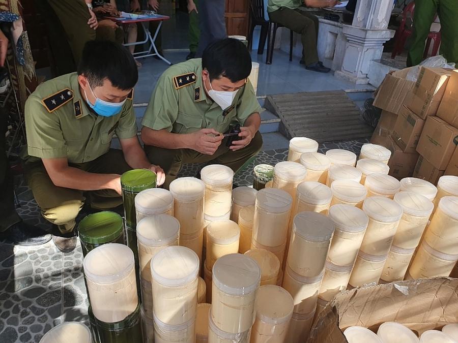Quảng Bình: Thu giữ gần 1 tấn mỹ phẩm không rõ nguồn gốc - Ảnh 1.