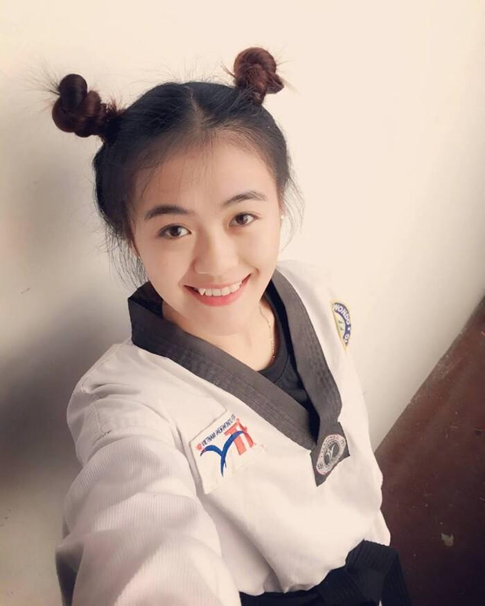 Hotgirl đai đen Taekwondo khoe sắc - Ảnh 2.
