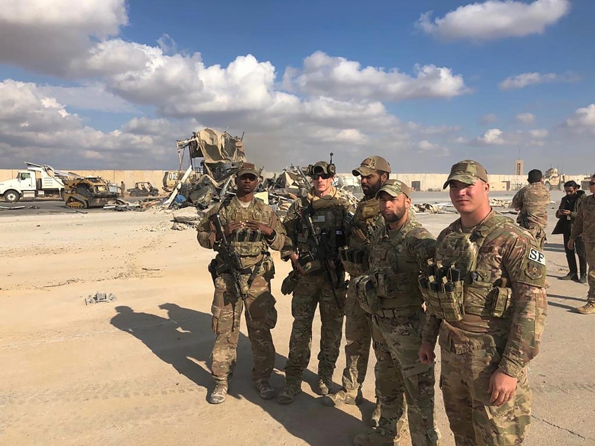 Máy bay không người lái tấn công gần nơi binh lính Mỹ đóng quân - Ảnh 1.