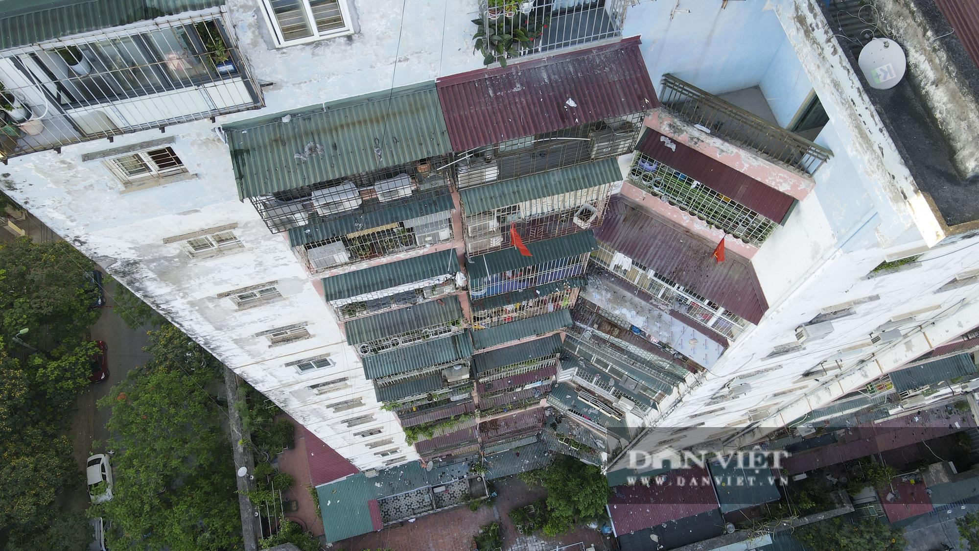 """Phát sợ với """"chuồng cọp"""" khổng lồ lủng lẳng ở những chung cư cao tầng Lĩnh Nam - Ảnh 5."""