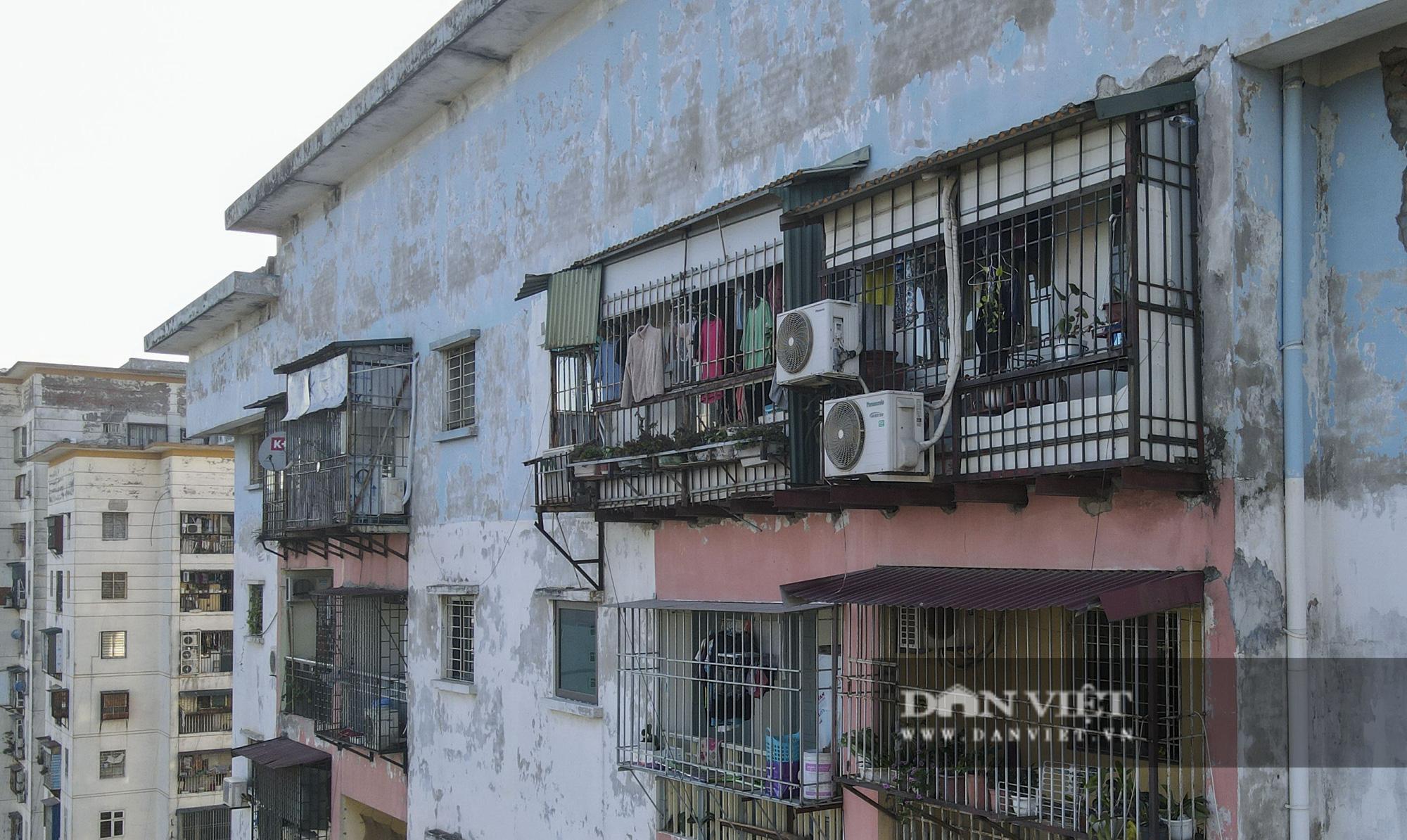 """Phát sợ với """"chuồng cọp"""" khổng lồ lủng lẳng ở những chung cư cao tầng Lĩnh Nam - Ảnh 8."""