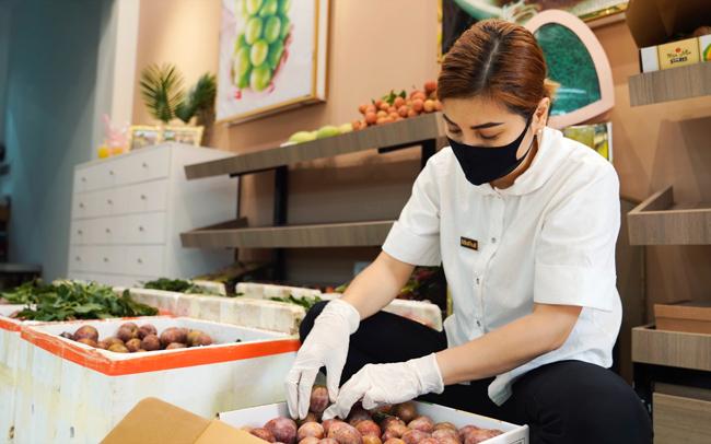 Mận hậu Ruby Sơn La được doanh nghiệp thu mua, phân phối cho thị trường TP.HCM. (Ảnh Foodmap)
