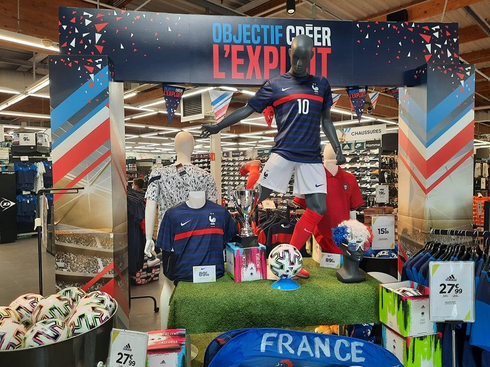 """EURO 2020: Pháp không thắng Bồ Đào Nha, cả Paris... """"ế hàng"""" - Ảnh 1."""