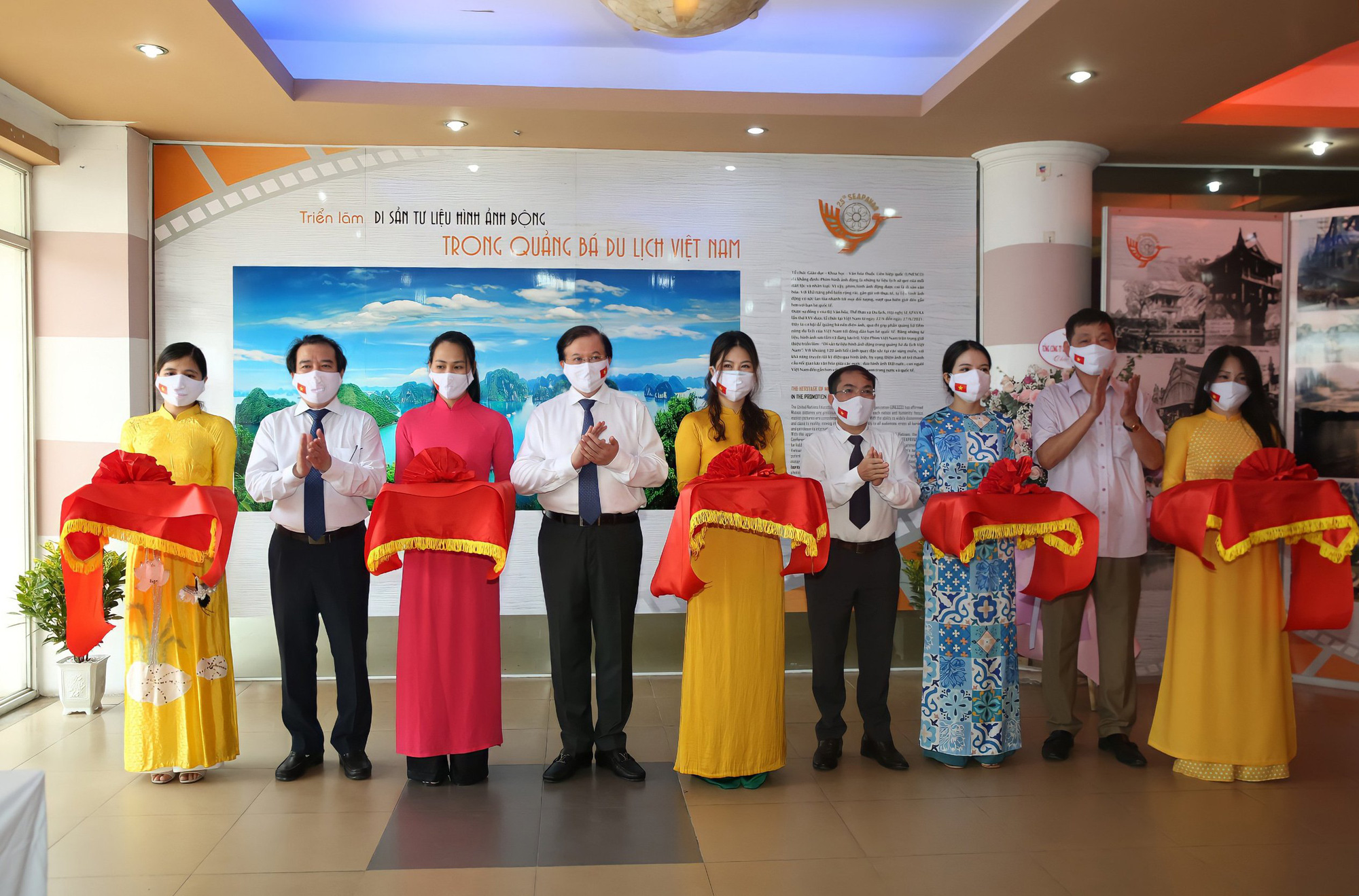 Triển lãm 120 bối cảnh gắn với các bộ phim nổi tiếng, quảng bá du lịch Việt Nam - Ảnh 1.