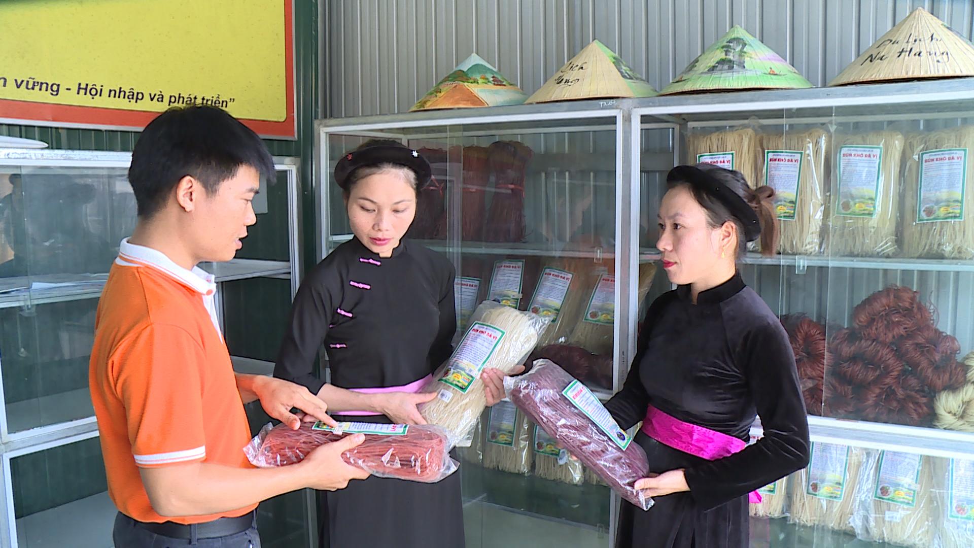 Phát triển mô hình kinh tế: Đòn bẩy xây dựng nông thôn mới ở xã Đà Vị - Ảnh 3.