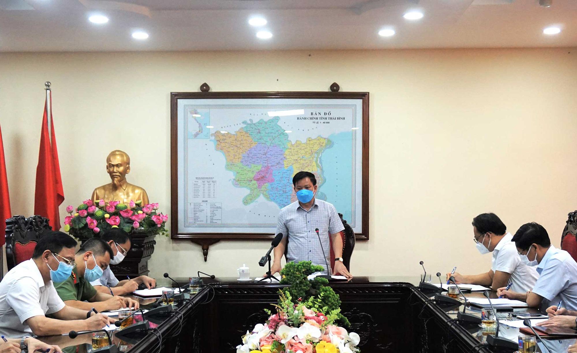 Thái Bình họp khẩn sau khi phát hiện 3 người dương tính SARS-CoV-2 - Ảnh 1.