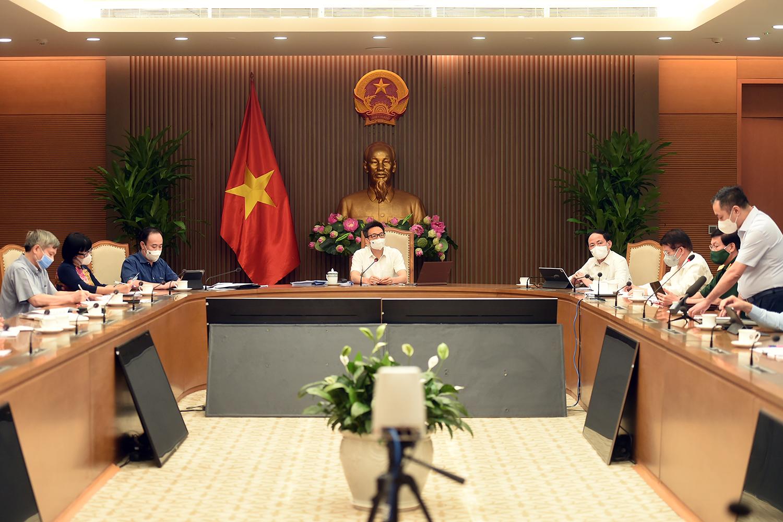 Sắp có 8 triệu liều vắc xin Covid-19 về Việt Nam trong tháng 7 - Ảnh 2.