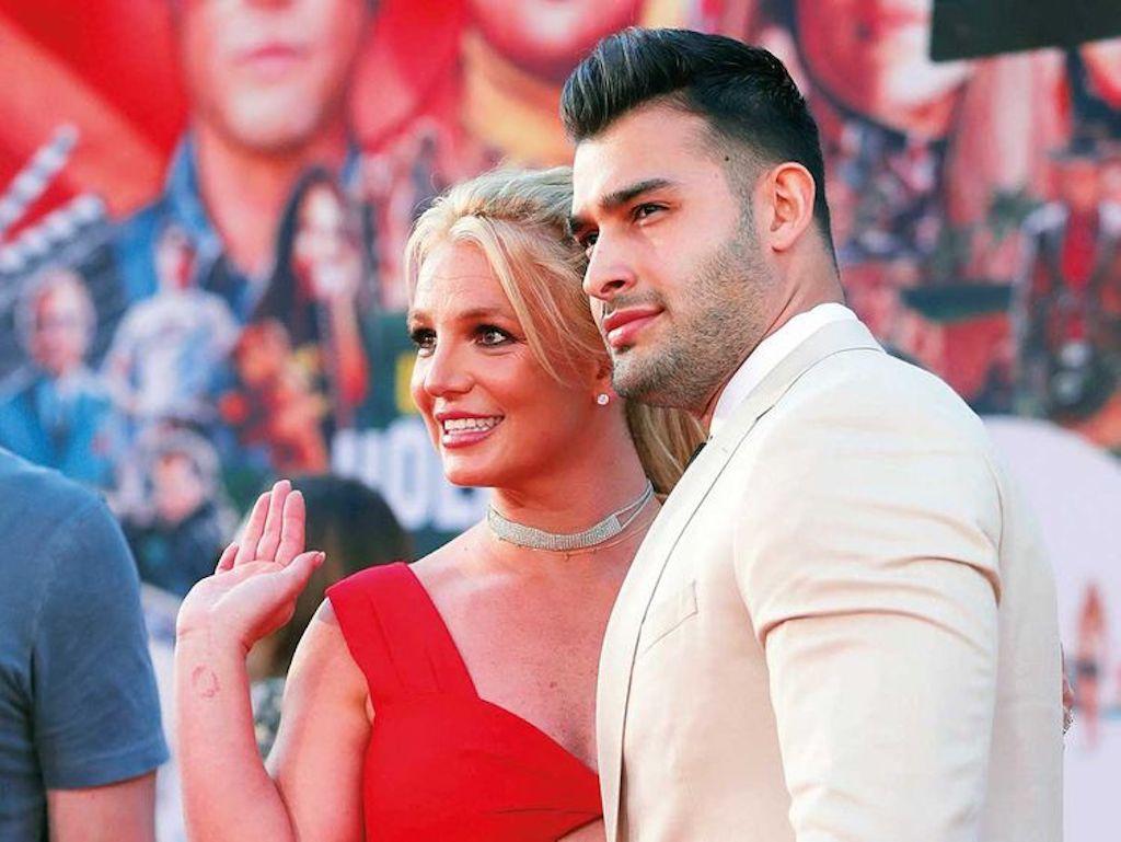 Britney Spears tố cha ruột bóc lột như nô lệ suốt 13 năm - Ảnh 3.