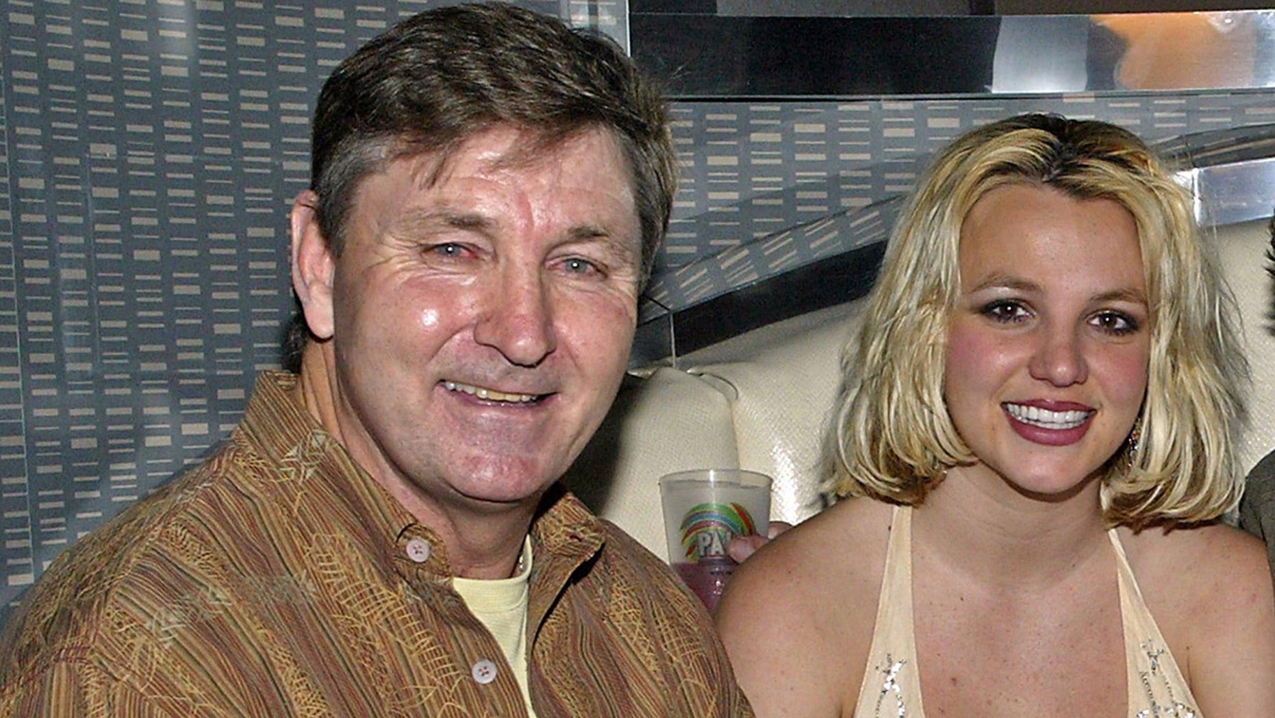 Britney Spears tố cha ruột bóc lột như nô lệ suốt 13 năm - Ảnh 2.