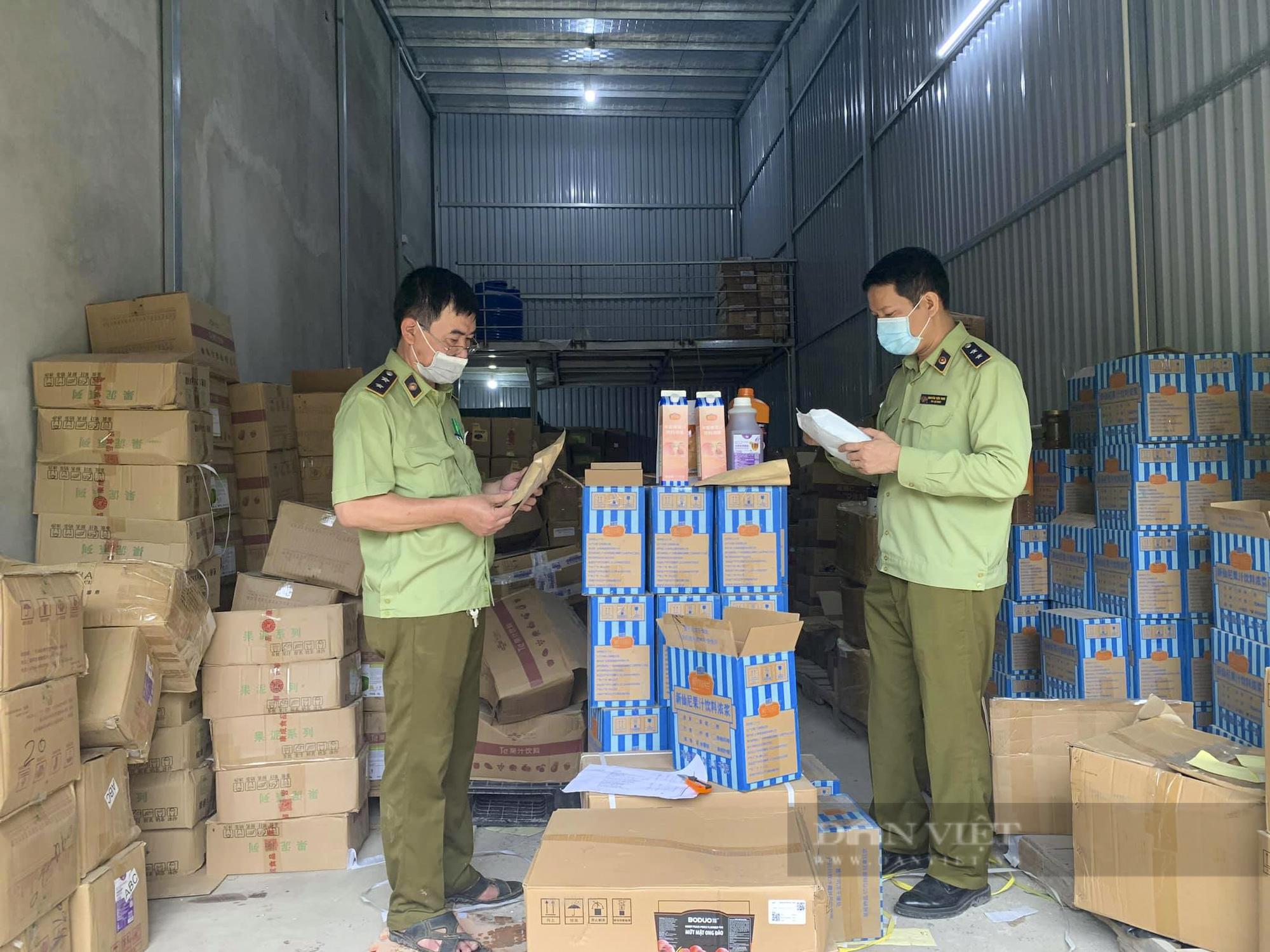 Hà Nội tạm giữ hàng tấn nguyên liệu trà sữa không hóa đơn chứng từ - Ảnh 1.