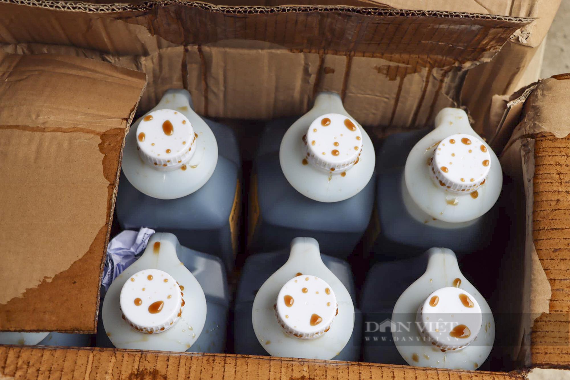 Hà Nội tạm giữ hàng tấn nguyên liệu trà sữa không hóa đơn chứng từ - Ảnh 5.
