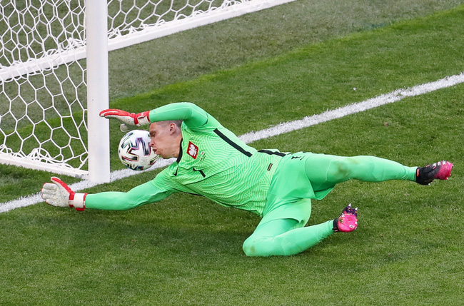 """8 cầu thủ đá phản lưới nhà tại Euro 2020: 3 thủ môn """"số nhọ"""" - Ảnh 1."""